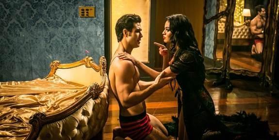 Letícia Lima e Emiliano D'ávila em uma cena de Ninguém entra, ninguém sai, que estreia dia 4 de maio (Foto: Divulgação)