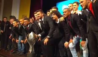 Inter, campeão gaúcho, troféu, festa, melhores (Foto: Reprodução / RBS TV)