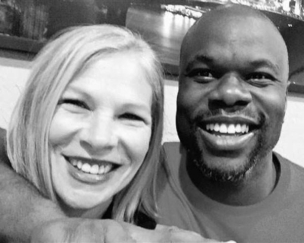 Debbie Baigrie e Ian Manuel, agora, amigos (Foto: Reprodução Facebook)