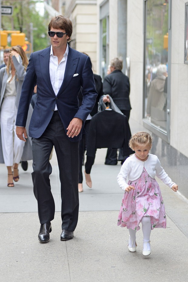 Tom Brady e a filha, Vivian (Foto: The Grosby Group)