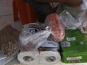 Familiares não conseguiram entregar mantimentos para os detentos da CPP (Foto: Reprodução/TV Anhanguera)