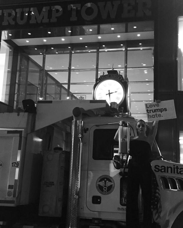 Lady Gaga protesta contra vitória de Trump (Foto: Reprodução / Instagram)