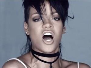 Rihanna no clipe de 'What now' (Foto: Divulgação)