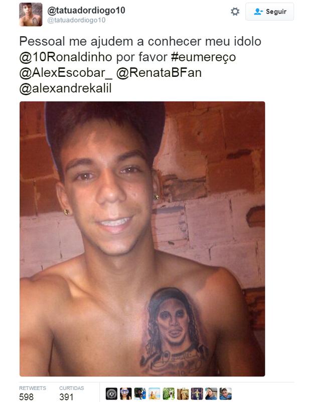 Fã tatua rosto de Ronaldinho Gaúcho (Foto: Reprodução/Twitter)