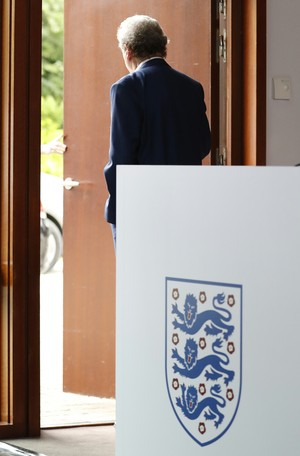 Roy Hodgson coletiva Inglaterra (Foto: Reuters)