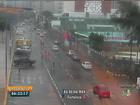 Chuva deixa ruas e avenidas alagadas nesta segunda em Fortaleza