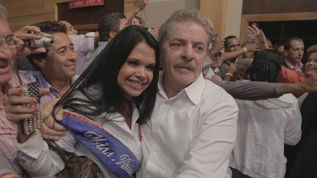 Milena Santos, vencedora da edição do Miss Bumbum USA encontra Lula (Foto: Divulgação)