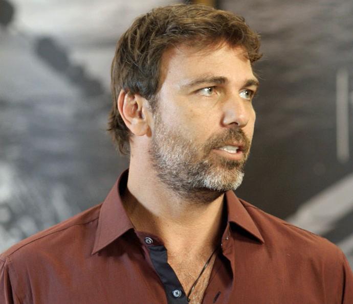 Agora trabalhando em Arraial, Felipe se ofereceu para cuidar da conta da Arraial Pescados (Foto: TV Globo)