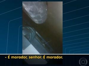 Vídeo mostra momento em que jovens são baleados na Palmeirinha, rio (Foto: Reprodução / TV Globo)