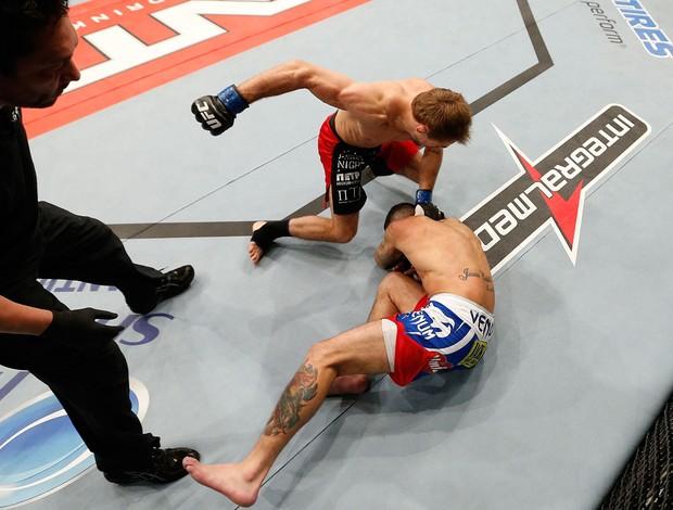 Marcos Vina x Ali Bagautinov UFC BH (Foto: Rodrigo Malinverni)