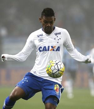 Luan; Bruno Viana; Grêmio x Cruzeiro (Foto: Lucas Uebel/Light Press)