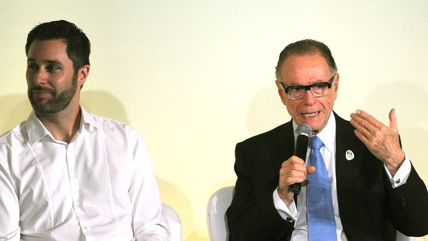 Carlos Nuzman ao lado de Adam Williams seminário Rio 2016 (Foto: AFP)