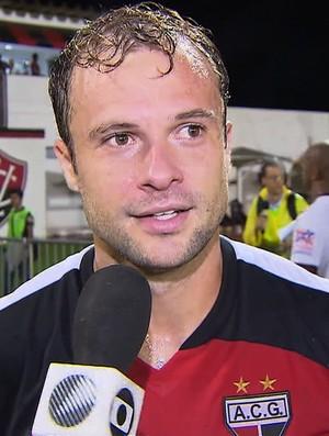 Rafael, zagueiro do Atlético-GO (Foto: Reprodução/TV Anhanguera)