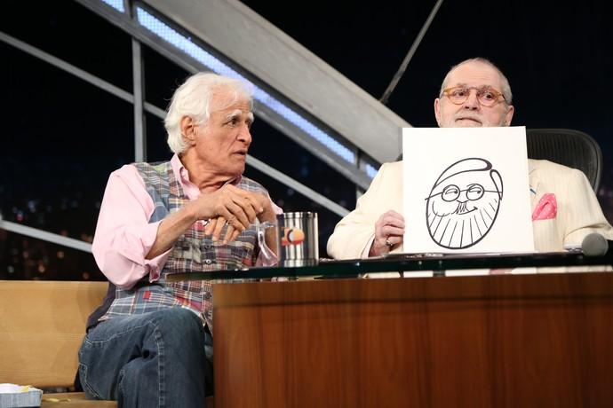 Jô Soares mostra caricatura dele feita por Ziraldo (Foto: Carol Caminha/Gshow)