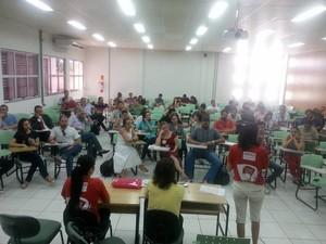 Professores se reuniram nesta sexta-feira (25) para homologar votos de assembleias (Foto: Divulgação/Sesduft)