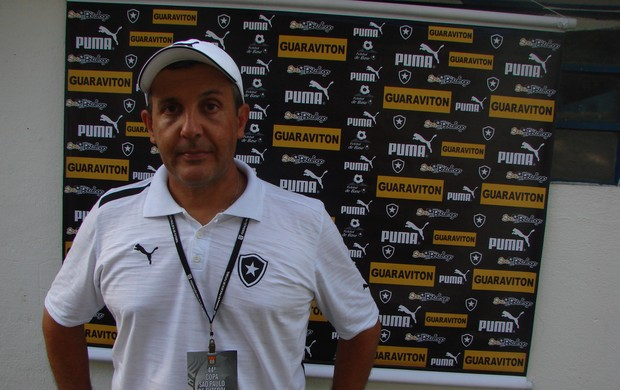 Técnico do Botafogo da Copa São Paulo (Foto: Filipe Rodrigues/ Globoesporte.com)