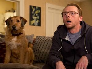 Simon Pegg e Dennis, o cão dublado por Robin Williams em 'Absolutely anything' (Foto: Divulgação)