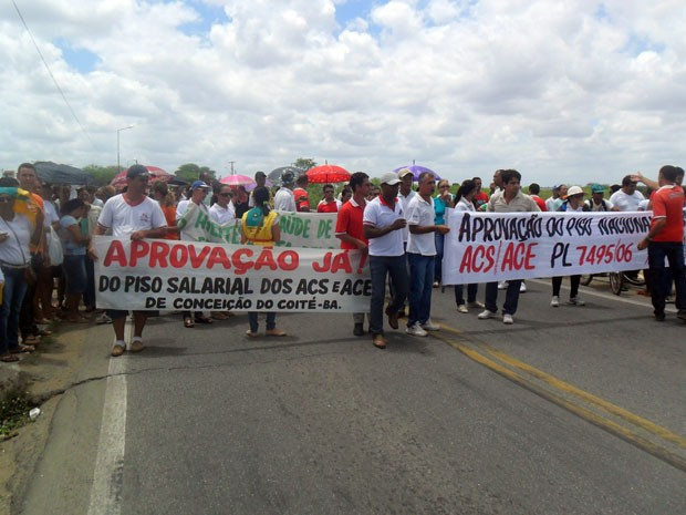 Manifestação na Bahia (Foto: André Luiz - Site AL Notícias)