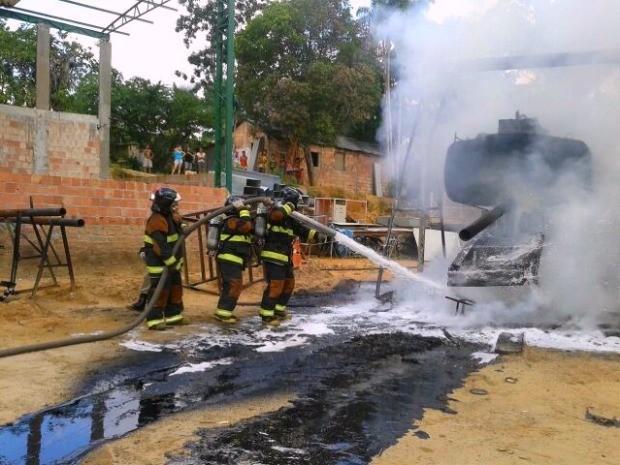 Incêndio foi controlado pelo Corpo de Bombeiros   (Foto: Divulgação/Corpo de Bombeiros)
