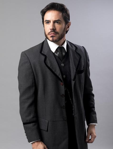 """Ricardo Tozzi pronto para entrar em cena em """"Orgulho e paixão"""" como Xavier (Foto: TV GLOBO)"""