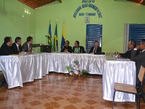 Vereadores cassam prefeito suspeito de matar esposa em Lagoa do Sítio (Foto: Sergio Alves/Portal V1)