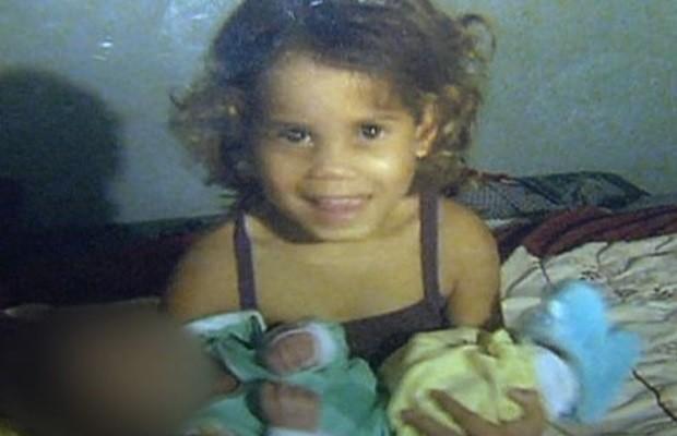 Menina é encontrada morta em fossa, em Aparecida de Goiânia, Goiás (Foto: Reprodução/ TV Anhanguera)