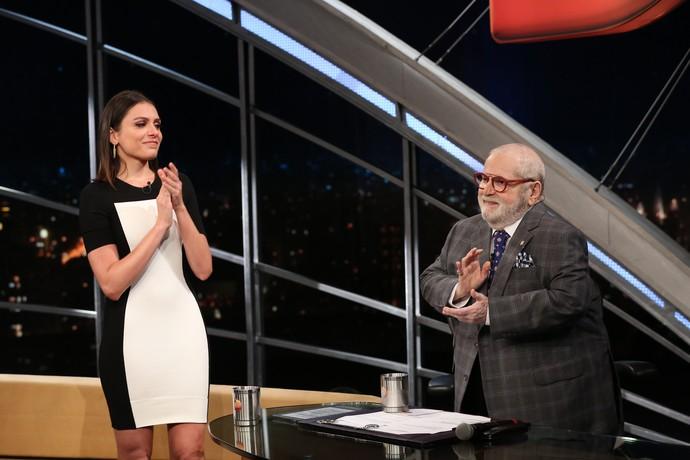 Monica se emocionou e foi aplaudida de pé por Jô (Foto: Carol Caminha/Gshow)