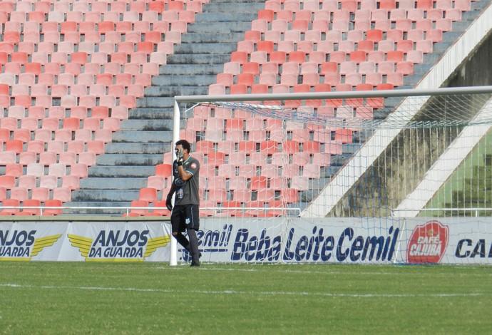 Goleiro Thiago Braga Uberlândia Esporte Clube UEC (Foto: Lucas Papel)