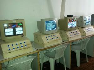 Apreensão de máquinas caça-níqueis no Centro de Juiz de Fora (Foto: Polícia Civil/Divulgação)