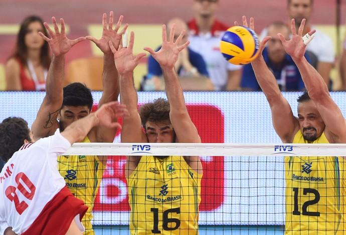 Polônia x Brasil vôlei (Foto: AP)