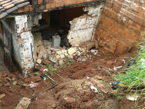 Muro caiu em Jaú (Foto: Divulgação / Lucas Nardo)