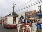 Trailers de vendedores ambulantes ocupam parte de avenida em São Luís