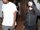 Em jantar com Kanye West, Kim Kardashian se incomoda com flashes