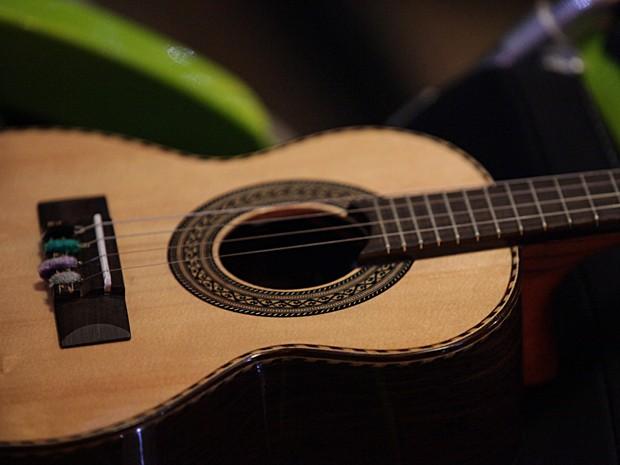 Candidatos devem gravar um vídeo solo tocando o instrumento (Foto: Malhação / TV Globo)