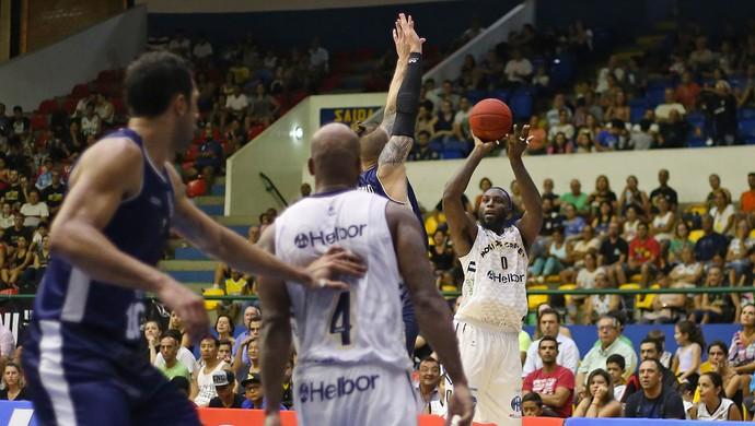 Mogi das Cruzes x Minas NBB Tyrone (Foto: Antonio Penedo/Mogi-Helbor)