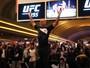 Arlovski apanha na barriga, e Lawler é favorito em treino aberto do UFC 195