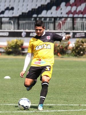 Diego Renan no treino do Vasco (Foto: Marcelo Sadio / Site Oficial do Vasco)