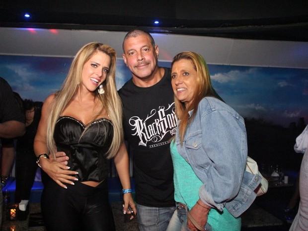 Denise Rocha, Alexandre Frota e Rita Cadillac em São Paulo (Foto: Rodrigo dos Anjos/ Ag. News)