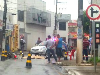 Mulher foi atropelada na Avenida Filinto Muller. (Foto: Daniel Teixeira/ Arquivo pessoal)