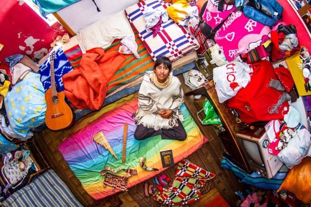 Fotógrafo registra contrastes entre quartos de jovens ao redor do mundo (Foto: John Thackwray/reprodução)