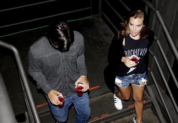 Bruno Gissoni e Marcela Fetter no Lollapalooza (Foto: Celso Tavares/EGO)