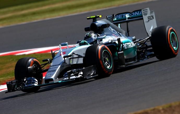 Nico Rosberg nos treinos livres para o GP da Inglaterra (Foto: Getty Images)