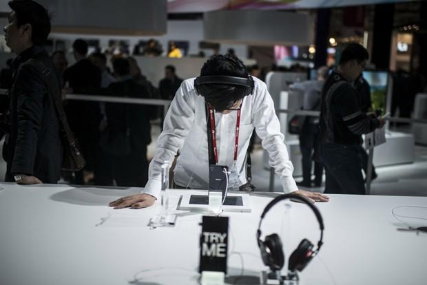 Pessoas deixam de buscar músicas novas aos 33 anos, indica estudo