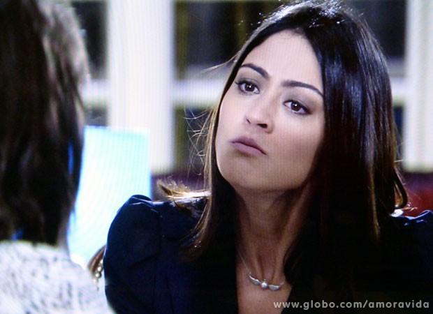 Silvia tem inveja de Patrícia porque não pode engravidar (Foto: Amor à Vida/ TV Globo)