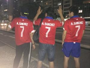 Sanchez é homenageado por torcedores (Foto: Káthia Mello/G1)