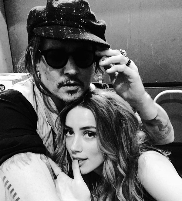 Johnny Depp e Amber Heard (Foto: Twitter)