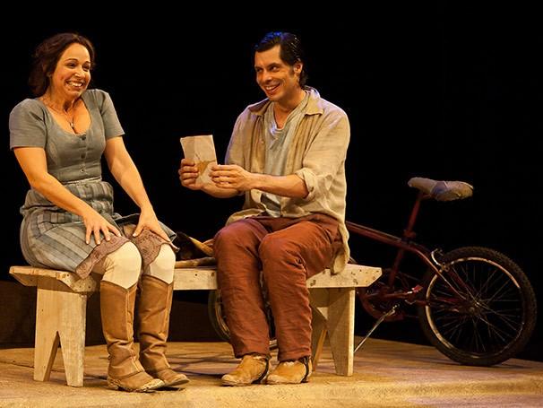 Daniel Alvim interpreta dois personagens bem diferentes em 'Maria Miss' (Foto: João Caldas)