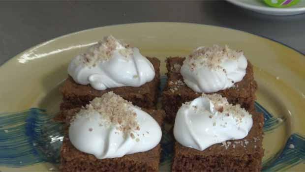 Veja como preparar um saboroso brownie de pinhão (Foto: Reprodução/RPC)