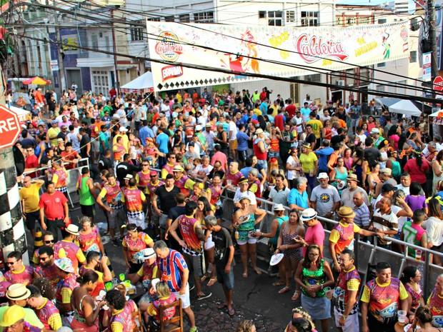 Várias atrações tocaram no palco do bloco do Caldeira  (Foto: Ive Rylo/ G1 AM)