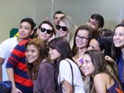 Bárbara Evans e Mateus Verdelho embarcam em aeroporto de SP